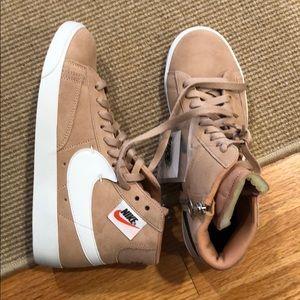 NWT Nike blazer zip up sneakers
